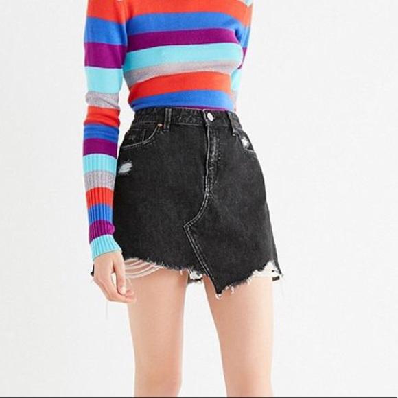 c36e2c778f Urban Outfitters BDG Black Distressed Denim Skirt.  M_5a961a5c8290af5a0927596c